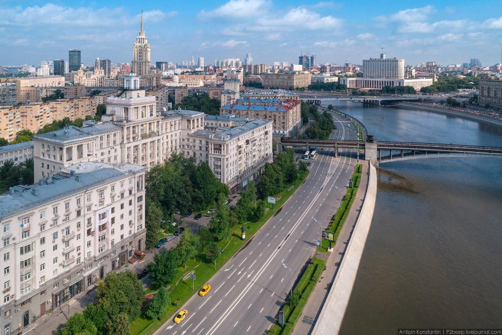 54. Бородинский мост и МИД.