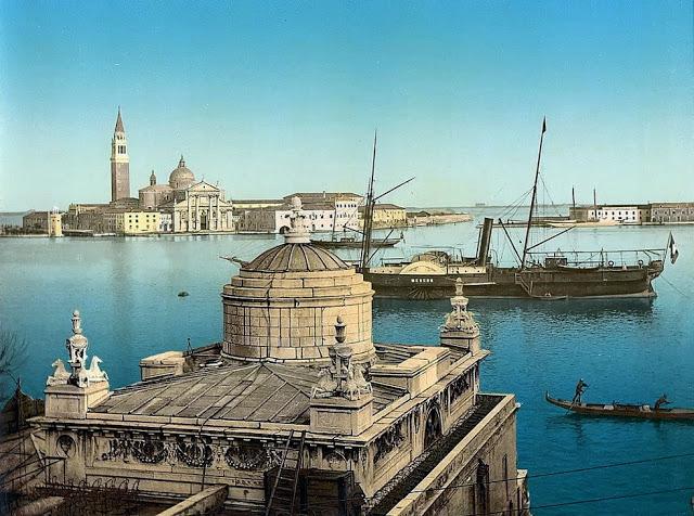 Гавань в Венеции.