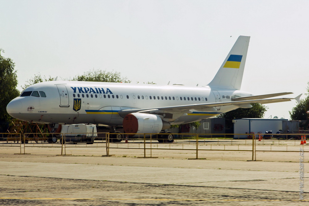 A-319CJ_UR-ABA_Ukraine_Government.JPG