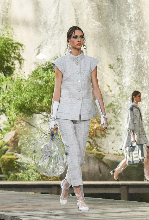 #PFW: CHANEL Spring Summer 2018 Womenswear Collection