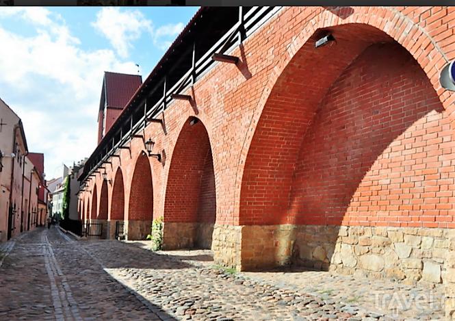 Старые  стены  города.