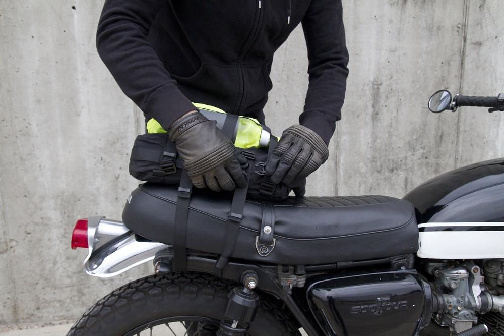 7bc432a76272 ALMS NYC - 12-литровая сумка на хвост мотоцикла / Кофры / БайкПост