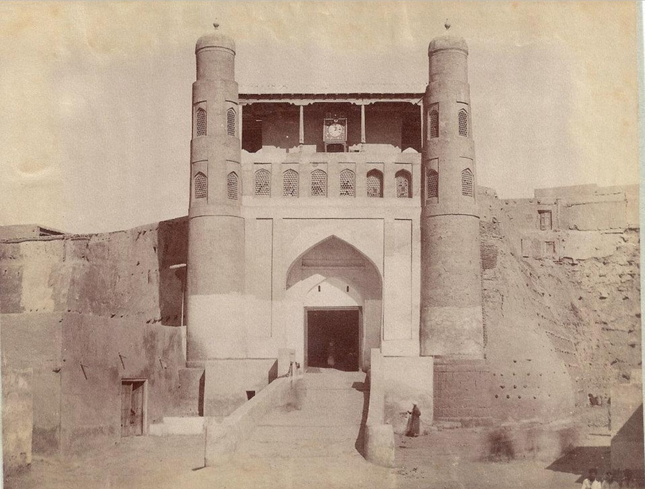 Вьезд во дворец Эмира