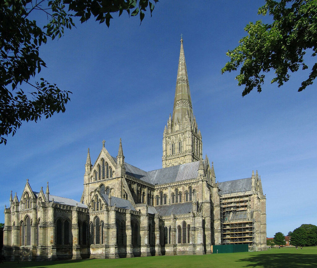 1280px-Salisbury_Cathedral.jpg
