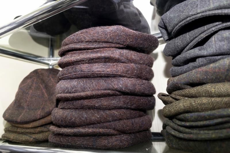 Такие мужские кепки можно носить как с пальто, так и с курткой.JPG