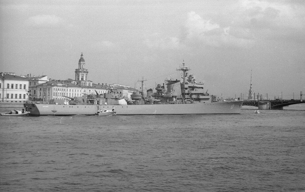 Шведы в июле 1954 в Ленинграде