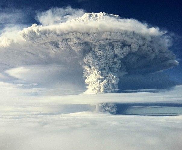Красивые фотографии: извержения вулканов 0 10f559 51fd9a67 orig