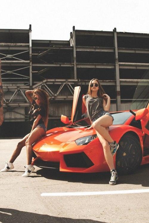 девочки машина красная перевозки скорость