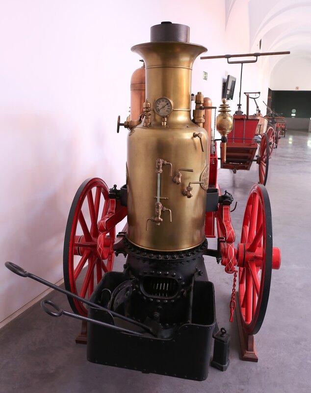 Музей пожарного дела в Сарагосе. Паровой насос