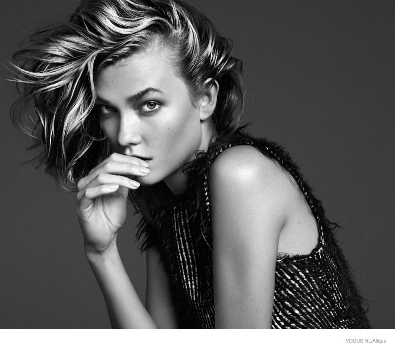 Карли Клосс в фотосессии Vogue Netherlands, топ, черно-белое