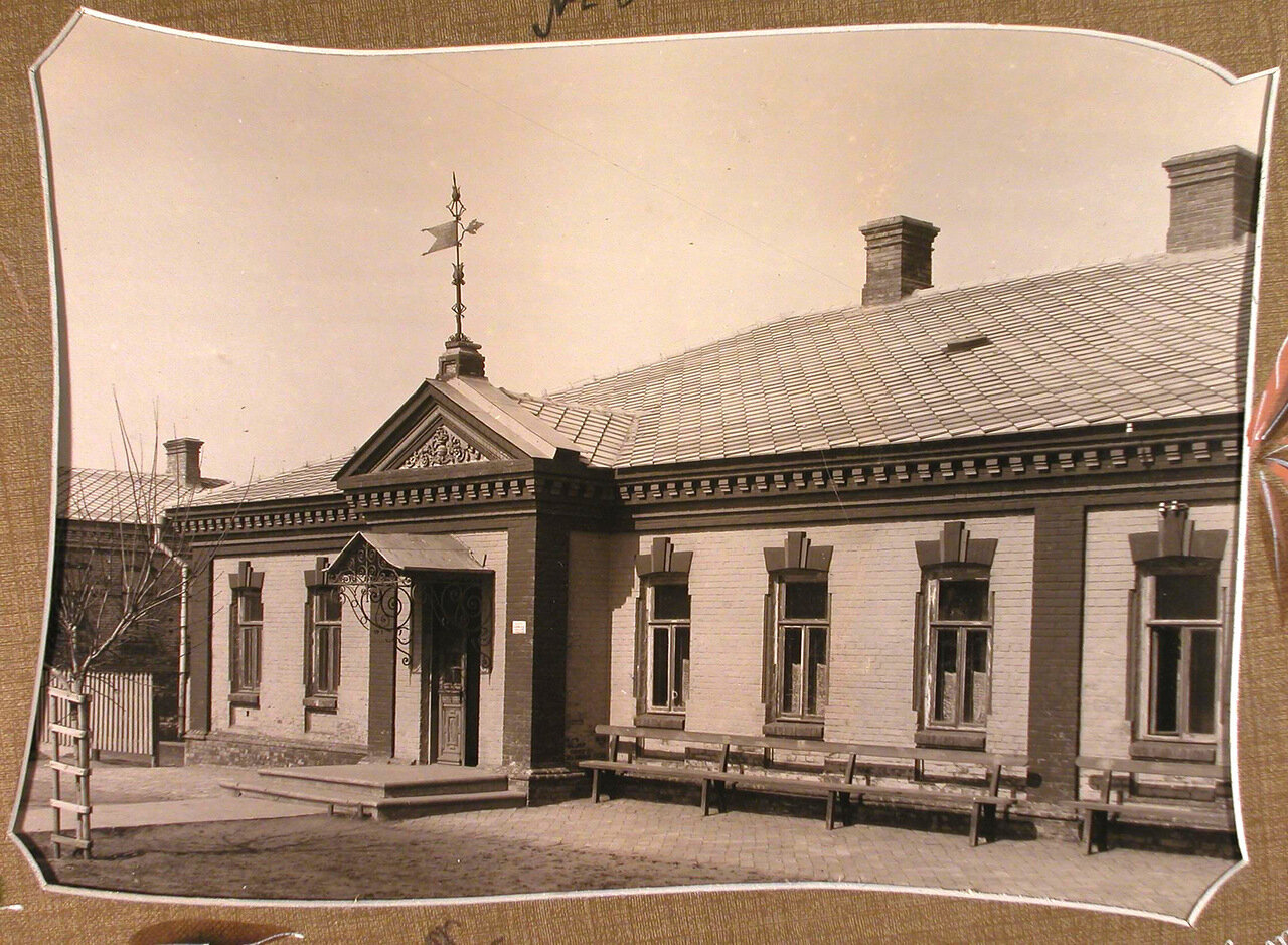 Вид дома, где размещалось общежитие для преподавательниц училища и девочек