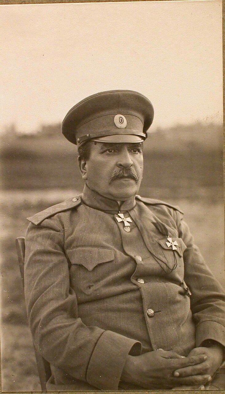 33. Один из офицеров штаба армии