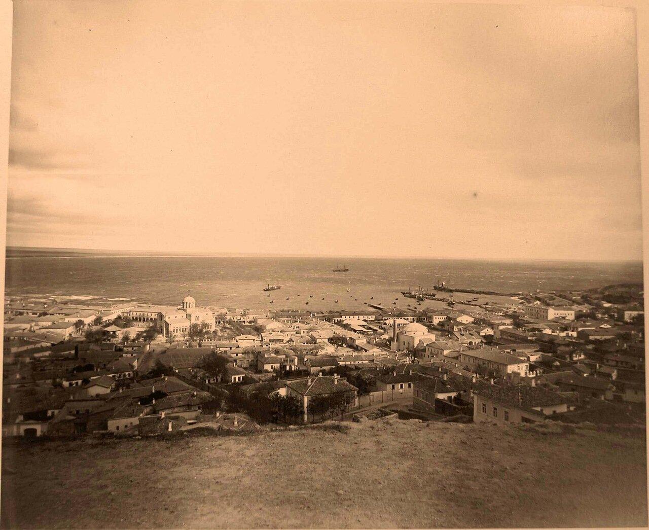 53. Феодосия. Панорама прибрежной части города; слева - храм Св. Александра Невского.