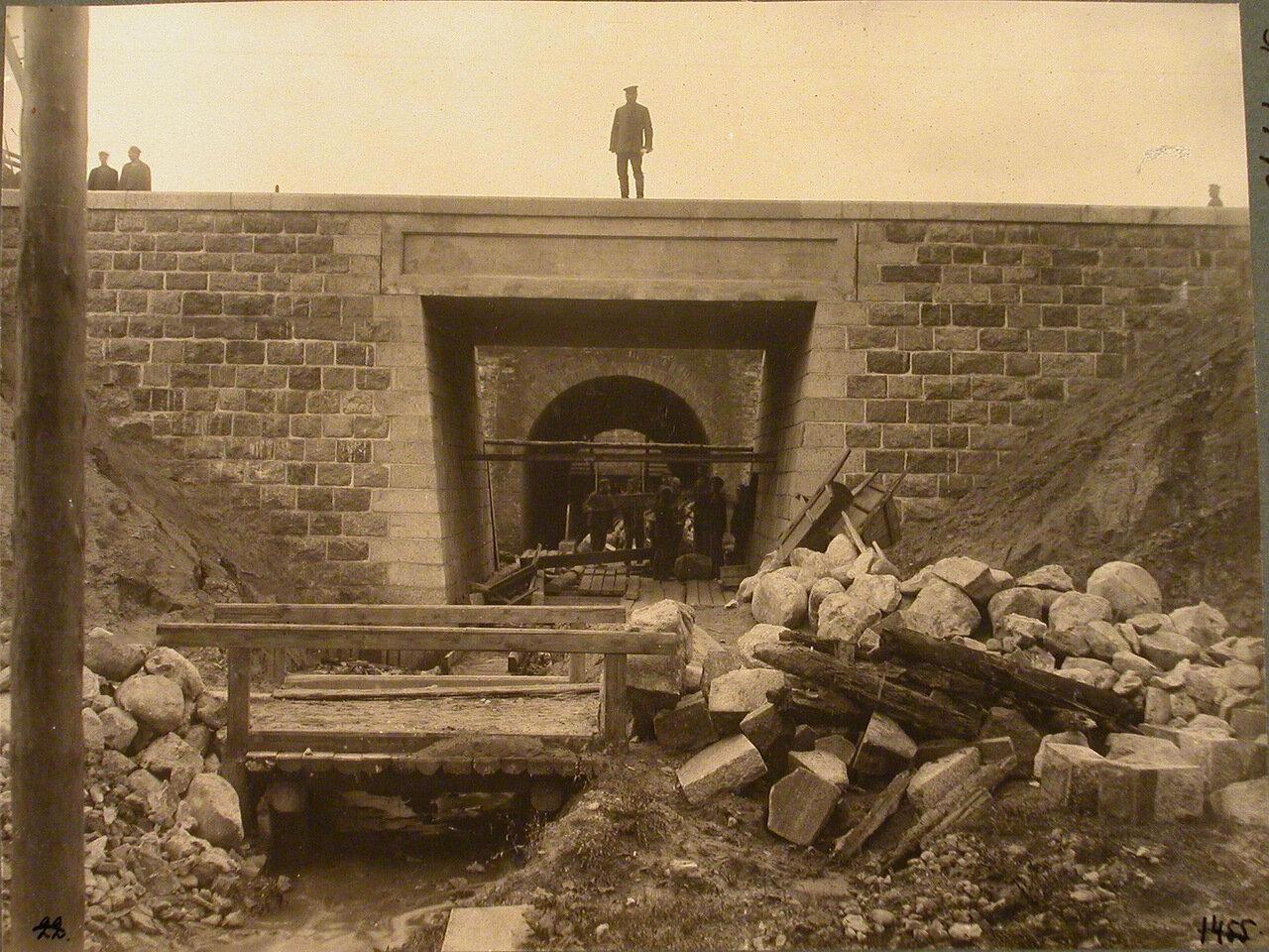 Гродненская губерния. Белосток. Рабочие во время строительства бетонного моста на станции