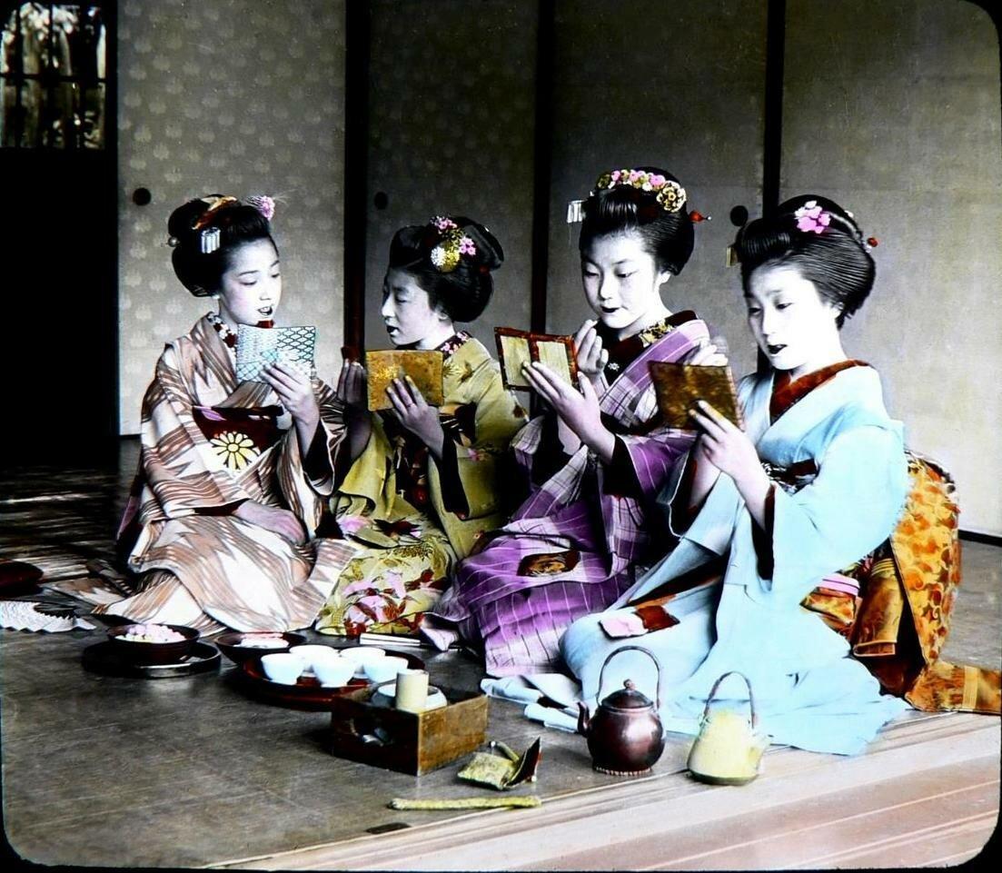 Четыре девушки майко