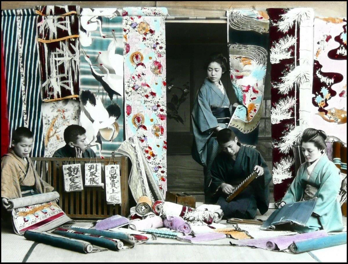 Торговец шелковыми тканями