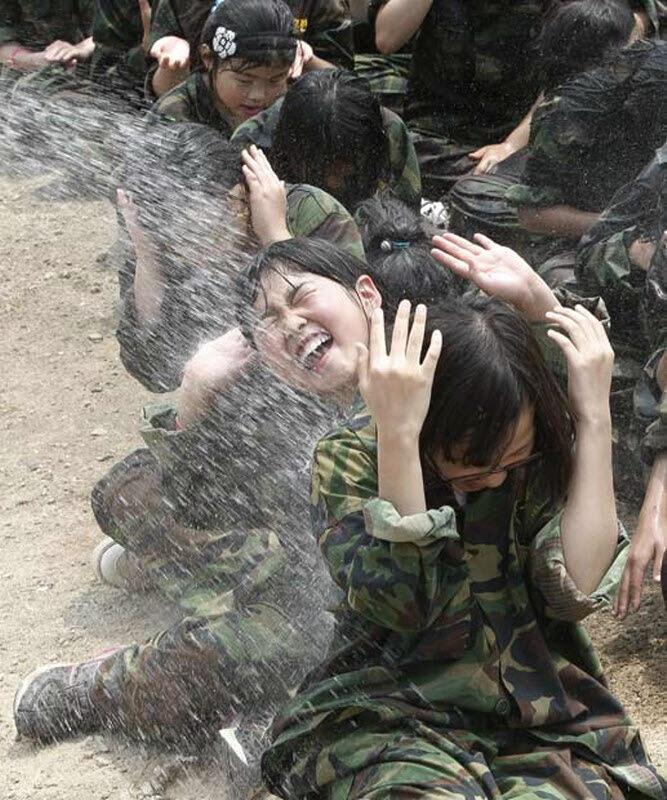Здесь тренируют будущих солдат. Этот школьный военный лагерь