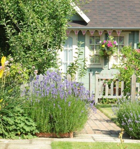 Хозяйка этого домика и сада анна стоун