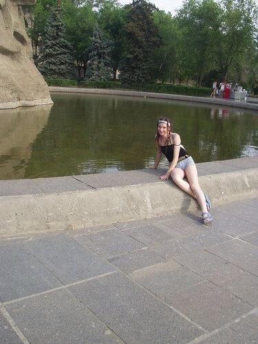 У памятника в Волгограде.