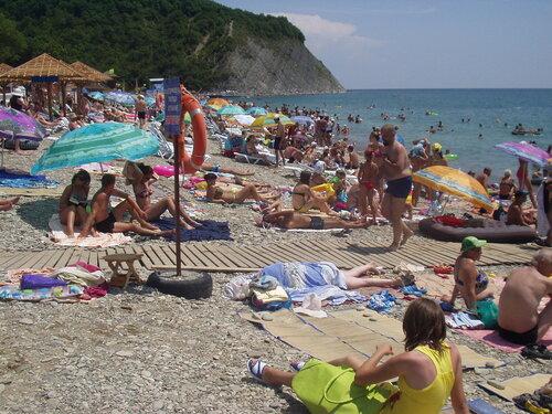 Пляж в Архипо-Осиповке, Черное море.