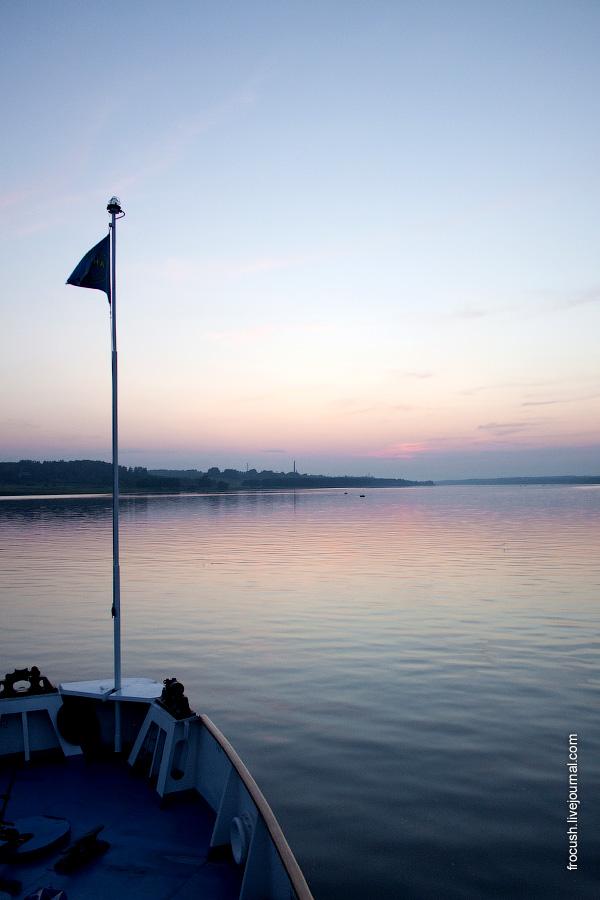 Вечер на Волге (между Ярославлем и Рыбинском) 2 июля 2010 года