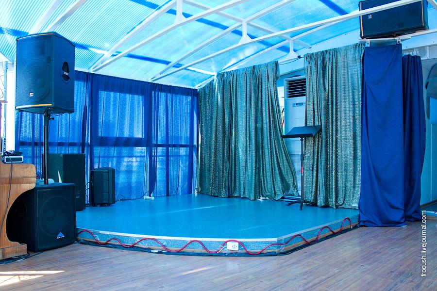 Конференц-зал в кормовой части шлюпочной палубы теплохода «Н.А.Некрасов»
