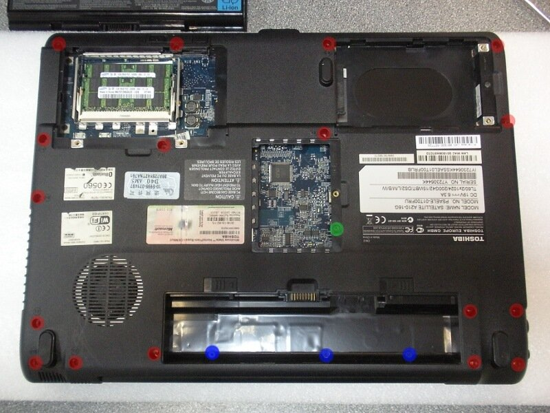 Как разобрать ноутбук Toshiba Satellite A210