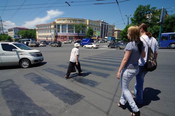 Новая схема движения во Владивостоке не избавила центр от пробок (ФОТО)