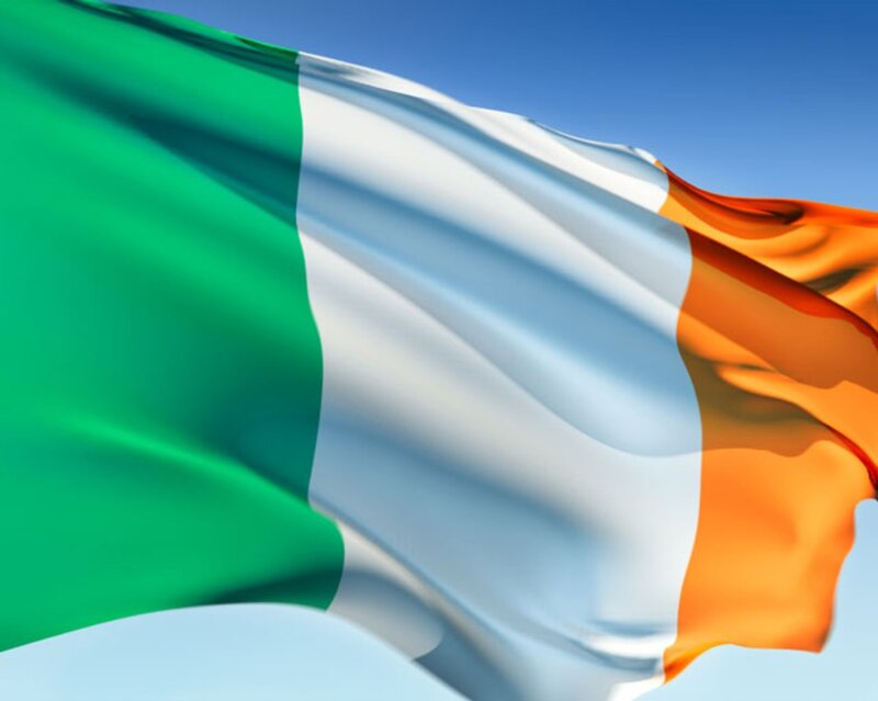 Wind-and-irish-flag-ireland.jpg