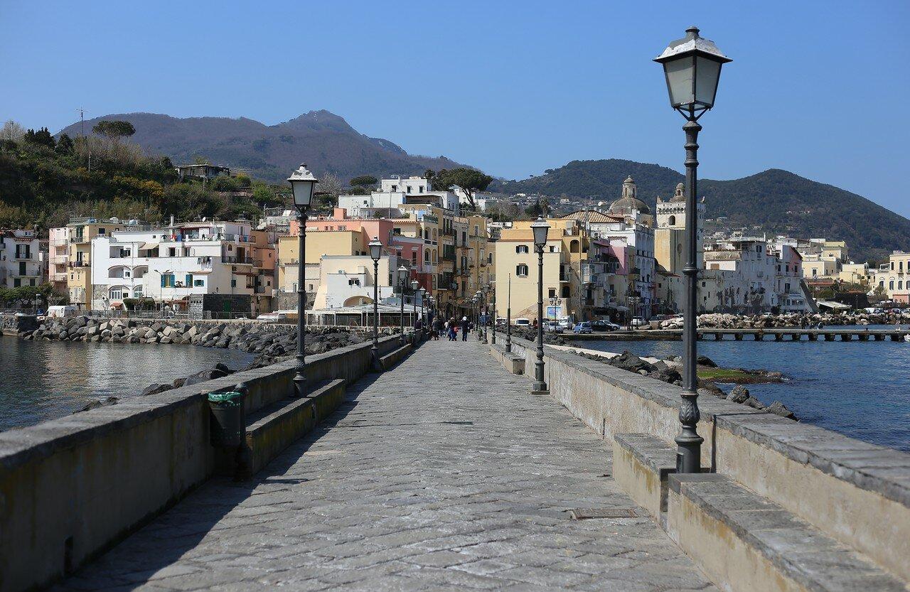 Ischia Ponte bridge (Ponte di castello Aragonese)