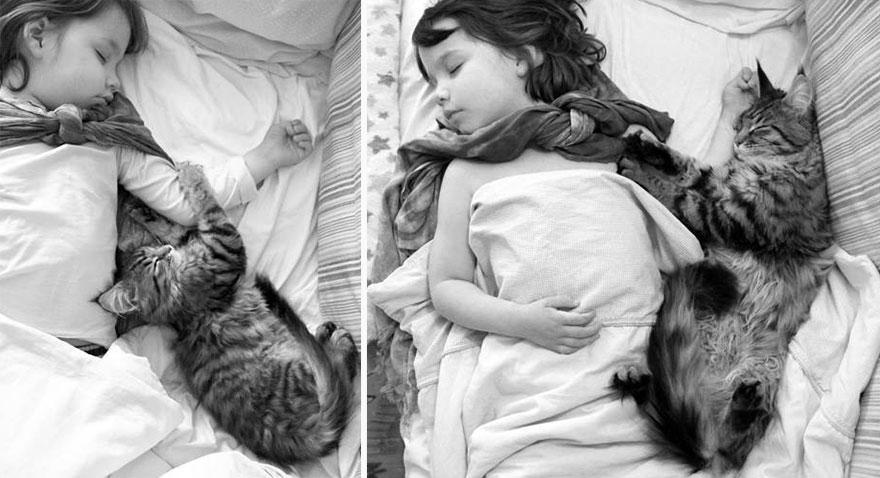 thula-therapy-cat-autistic-artist-iris-grace-24.jpg