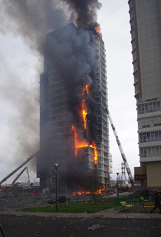 Пожар продолжается