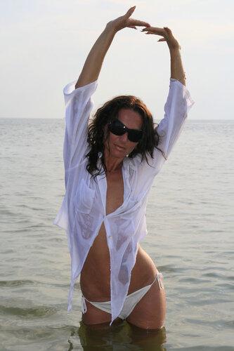 Naked photos girls.com