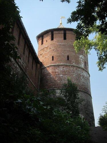 Вид на угловую башню