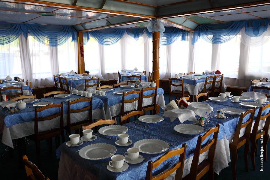 Ресторан в кормовой части главной палубы теплохода «Габдулла Тукай»