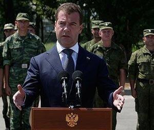 Президент считает, что полицейские законы начнут действовать с 1 января 2011 года