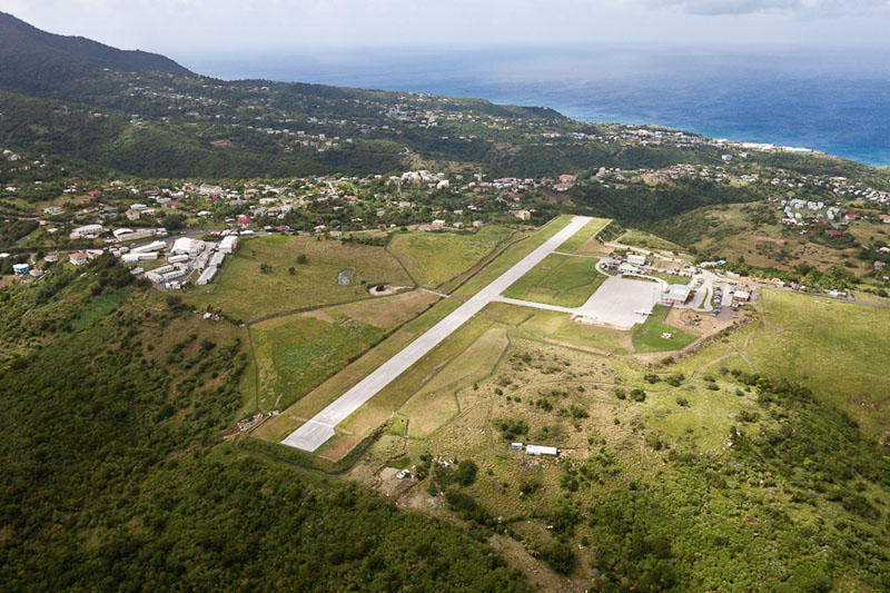 2. Монтсеррат. Из-за частых ураганов, землетрясений и извержений вулканов этот остров в Карибском мо