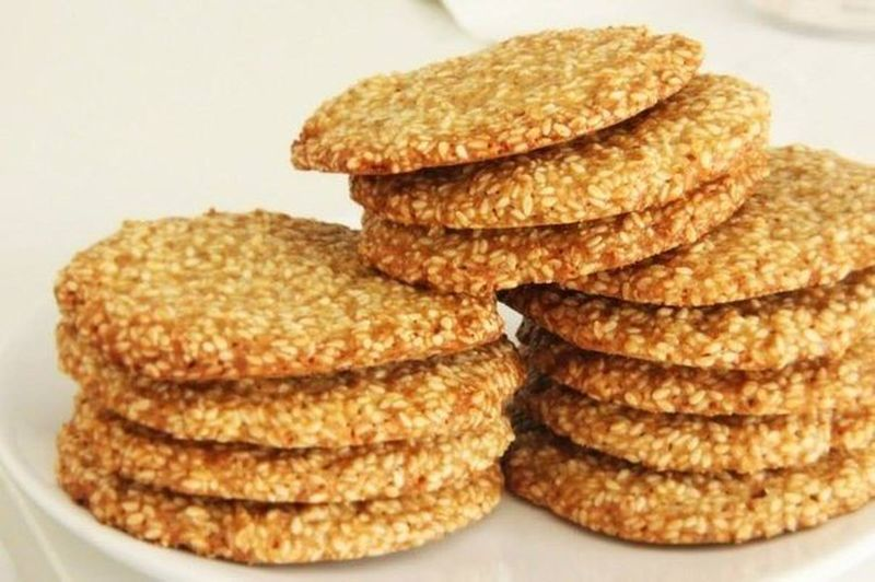 3. Кунжутное печенье    Вам понадобится:     70 г муки    60 г сливочног