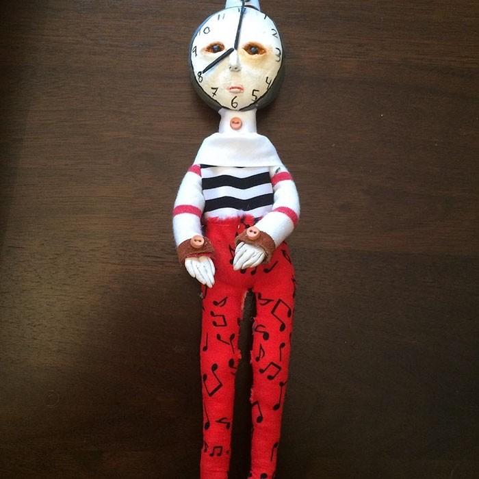 Мальчик из канадской провинции делает очень необычных кукол