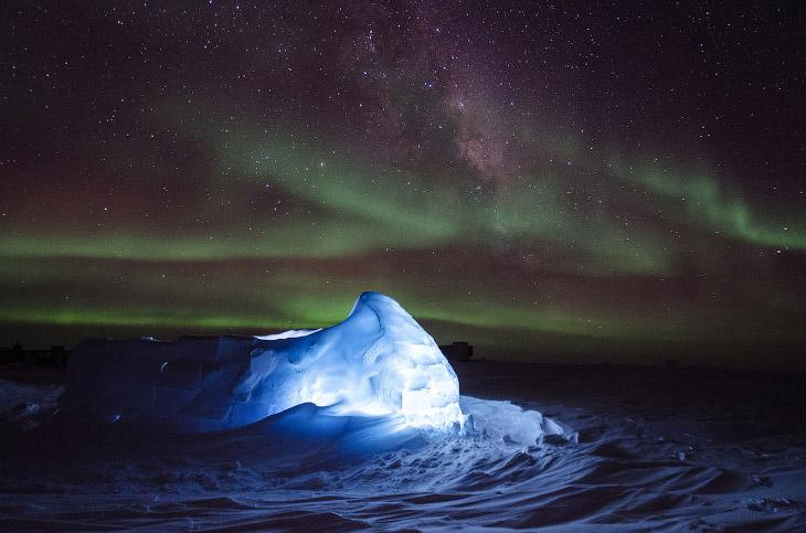 1. Станция МакМердо, остров Росс, Антарктида. Это крупнейшее поселение, порт, транспортный узел и ис