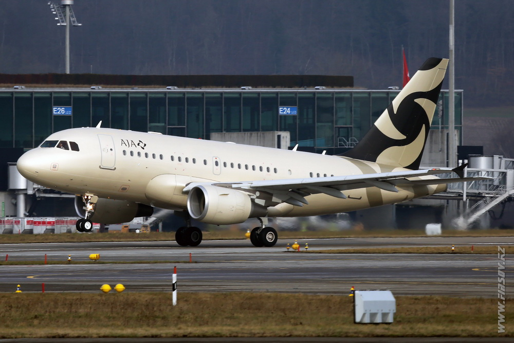 A-318_Elite_A6-AJC_Al_Jaber_Aviation_3_ZRH.JPG