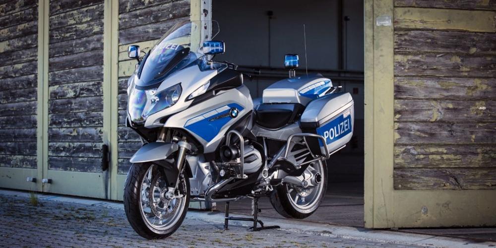 Полицейские скутеры и мотоциклы