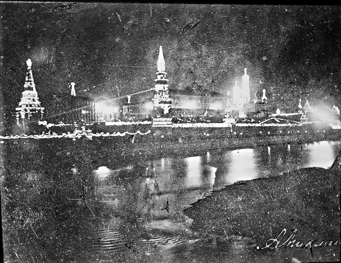 Ночная иллюминация в Кремле