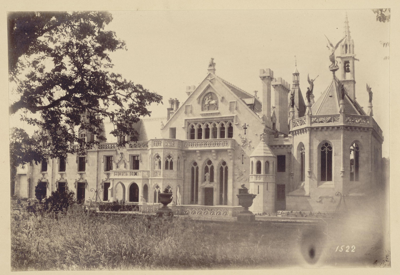 Замок Кериоле в Нижней Бретани. Южный фасад. С 1862 года – владение княгини З.И. Юсуповой