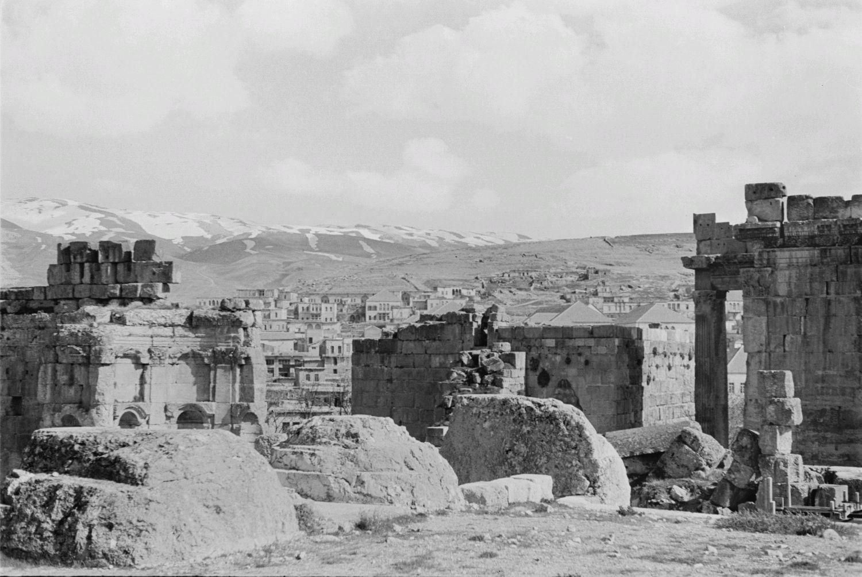 Храмовый комплекс. Вид на деревню и горы