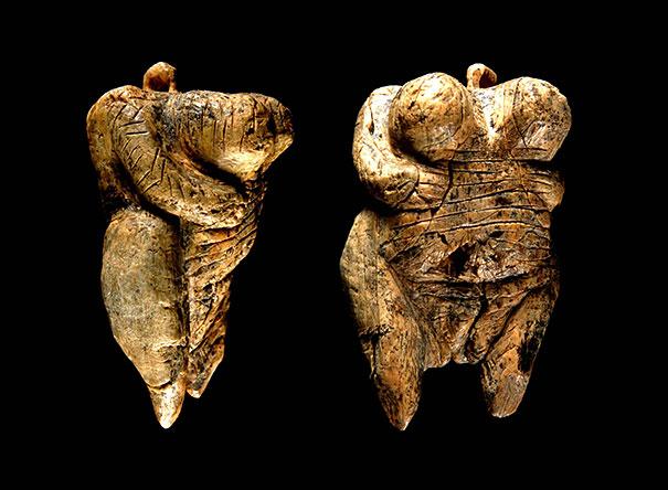 холе-фельс 40000 лет.jpg