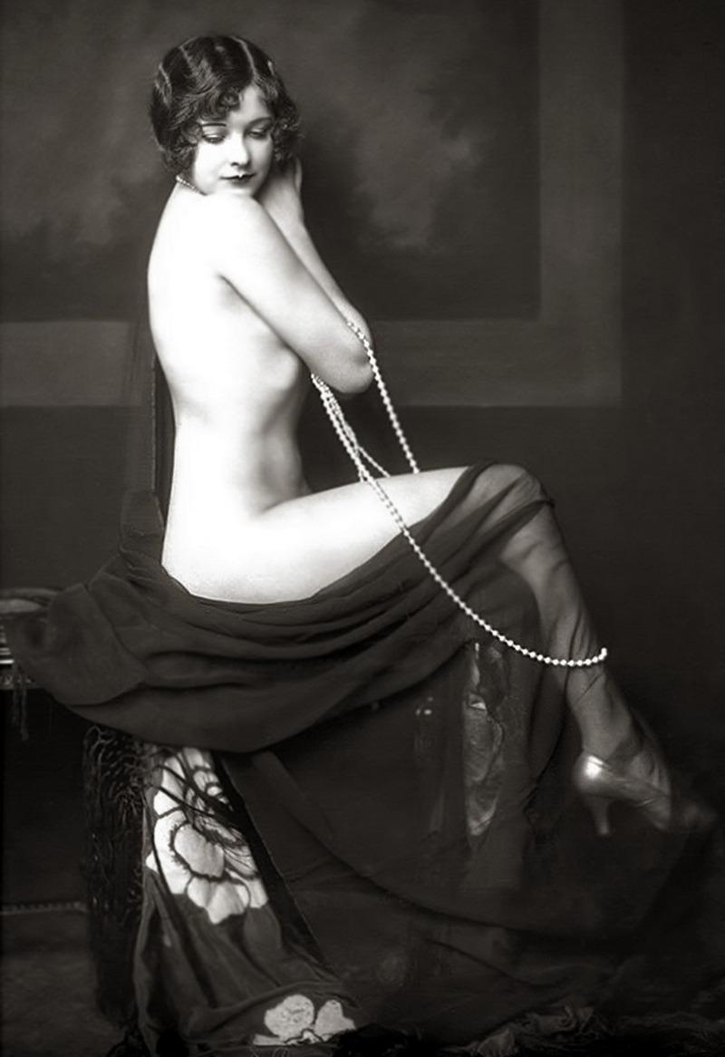 История в фотографиях. Эротическое фото начала XX века.