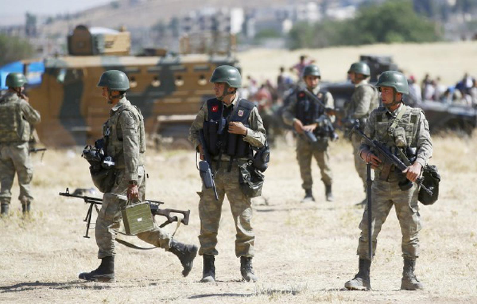 ВТурции боевики взорвали автомобиль с военнослужащими