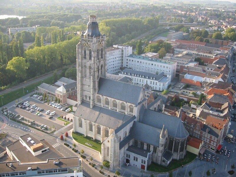 Ауденарде (Oudenaarde) Бельгия. Церковь святой Вальпурги (Sint-Walburgakerk)