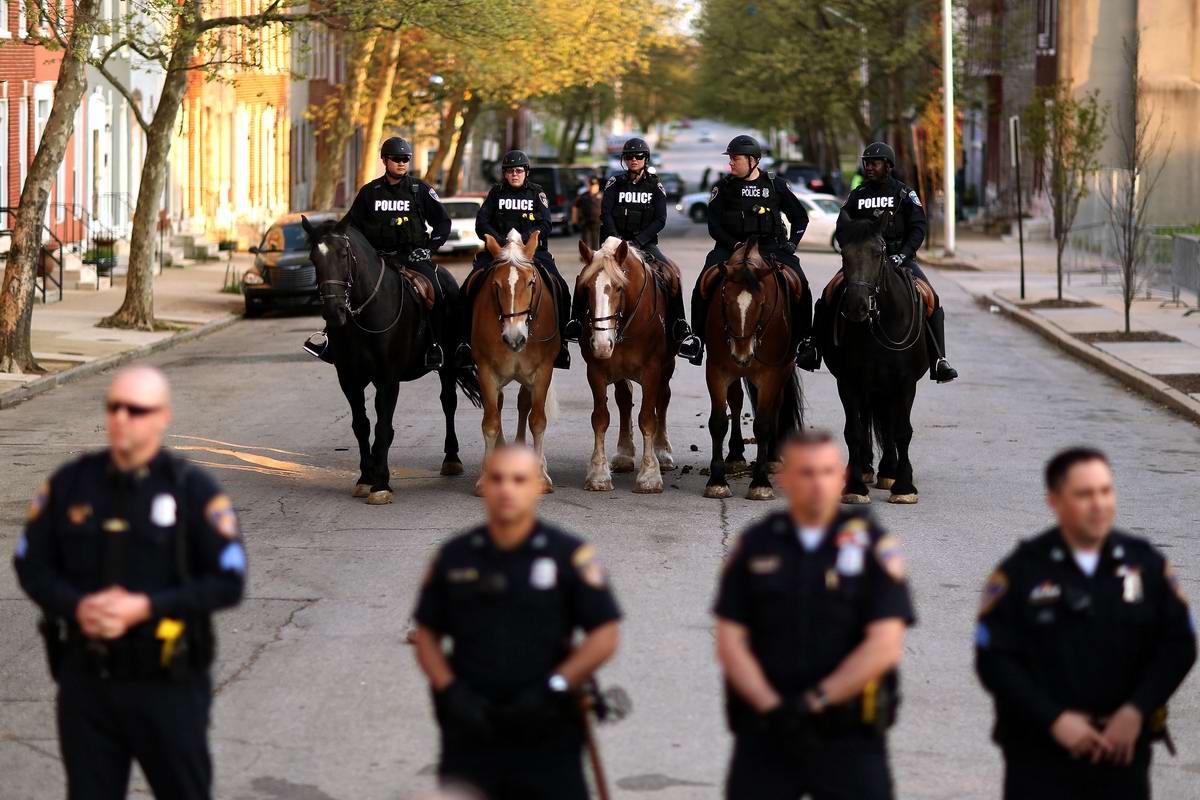 Конец полицейскому государству: Массовые протесты и уличные погромы в Балтиморе (США) (52)
